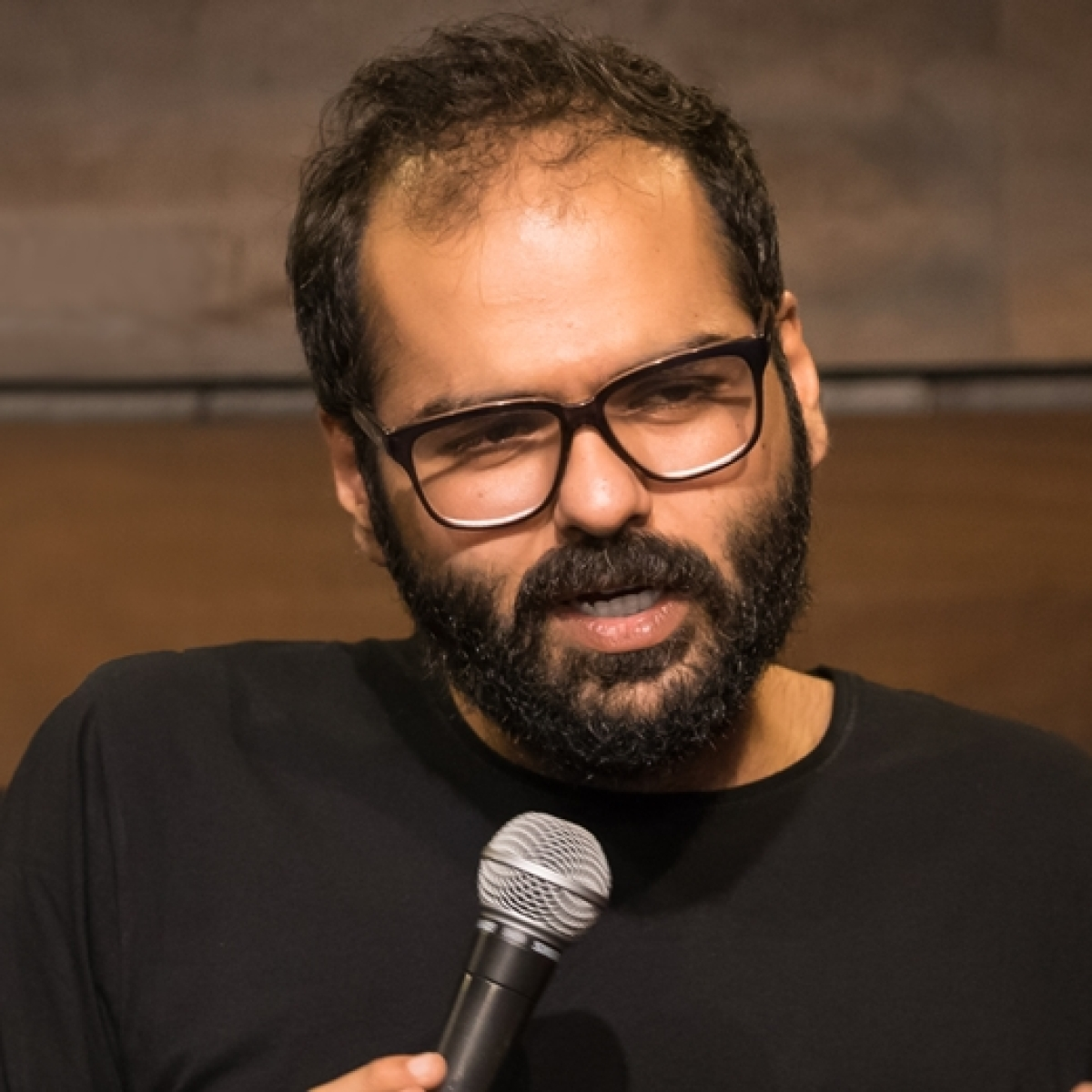 Kunal Kamra lauds Maha CM for 'transparency' amid COVID-19 after state recruits workforce from Kerala