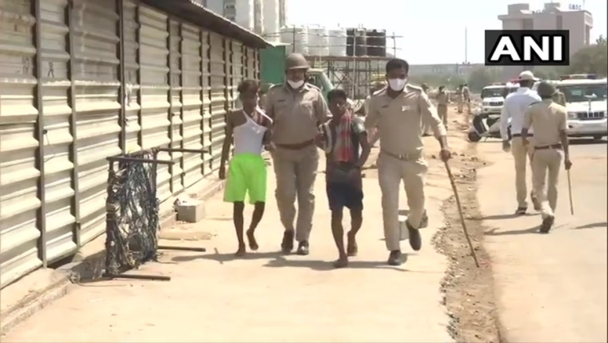 Clash erupts between police and migrant labourers in Ahmedabad, several migrants detained