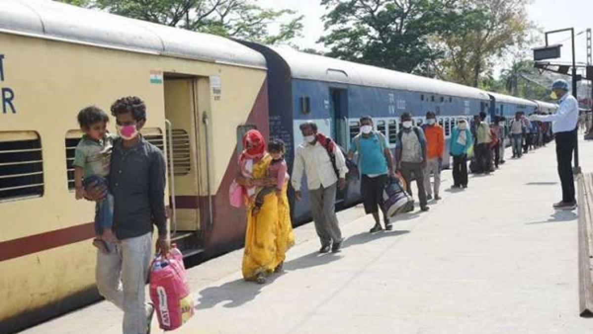From travelling light to maintaining social distancing: Dos and don'ts while travelling in special passenger trains
