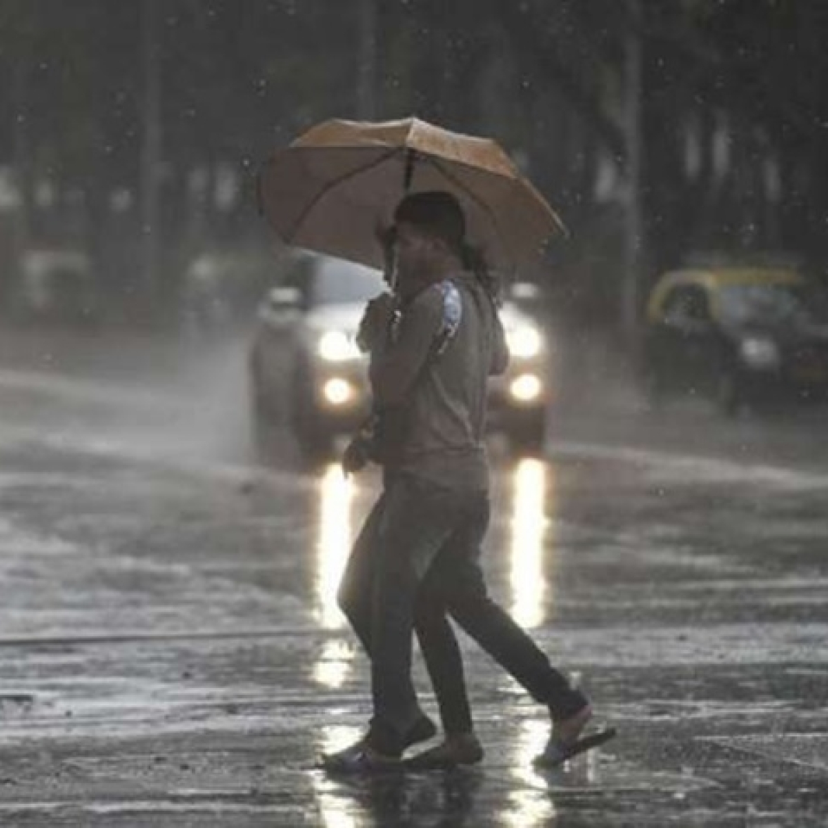 When will Mumbai gets its rain? Maximum City to witness pre-monsoon from June 2-4, Maha to receive rain by June 8