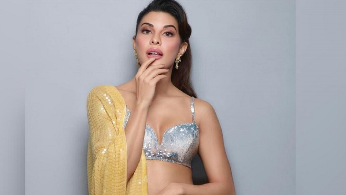 Jacqueline Fernandez invites India to dance from home