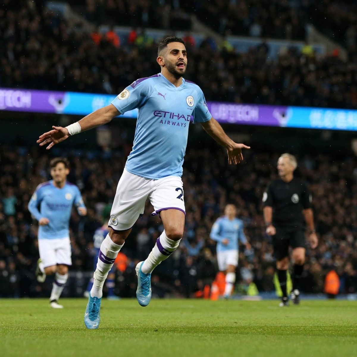 Thieves steal watches worth 300,000 pound from Manchester City's Riyad Mahrez