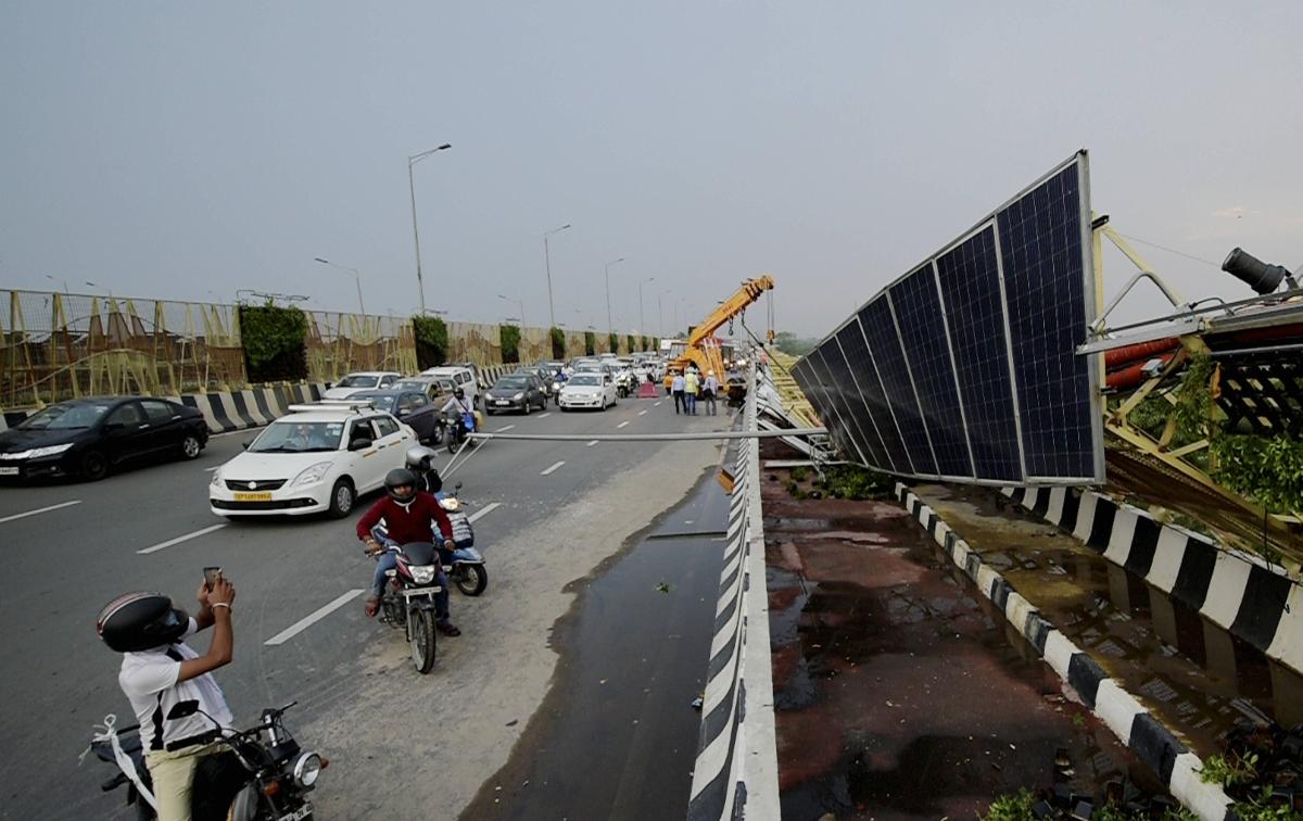 Rains, thunderstorm bring respite from heat in Delhi