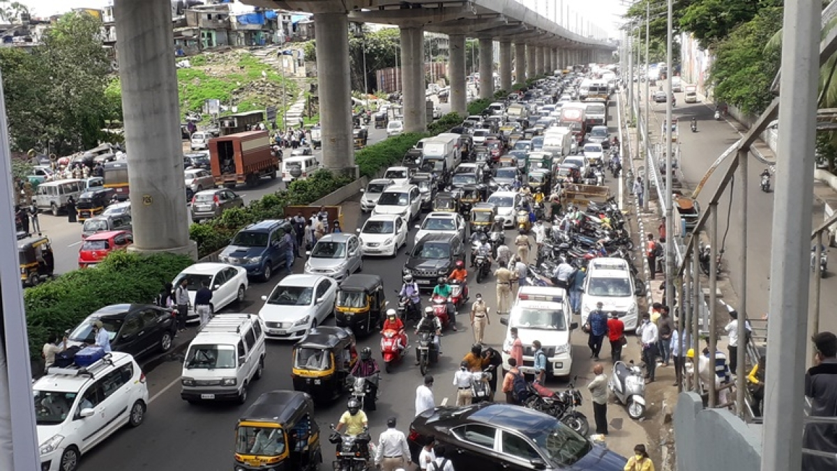 Mumbai Traffic Update: 2-km Laxman Rekha leads to 3-hour congestion Western Express Highway, Eastern Express Highway