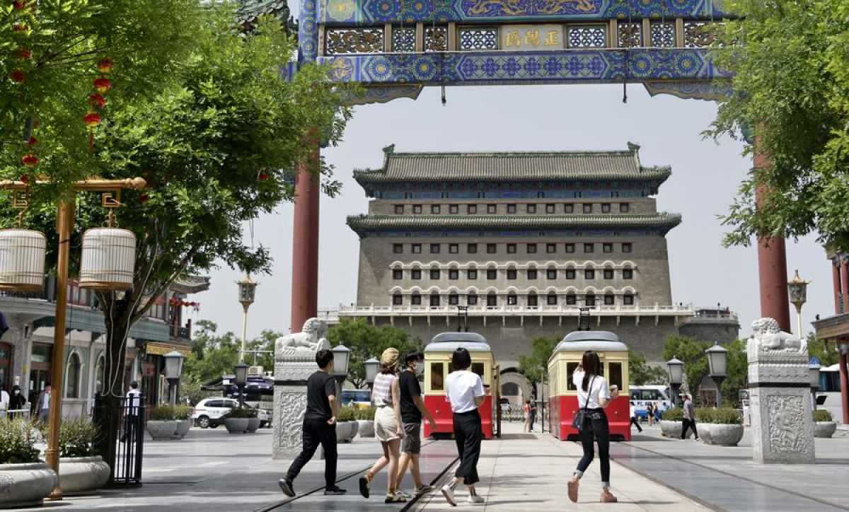 Beijing lowers COVID-19 emergency response posture to third level