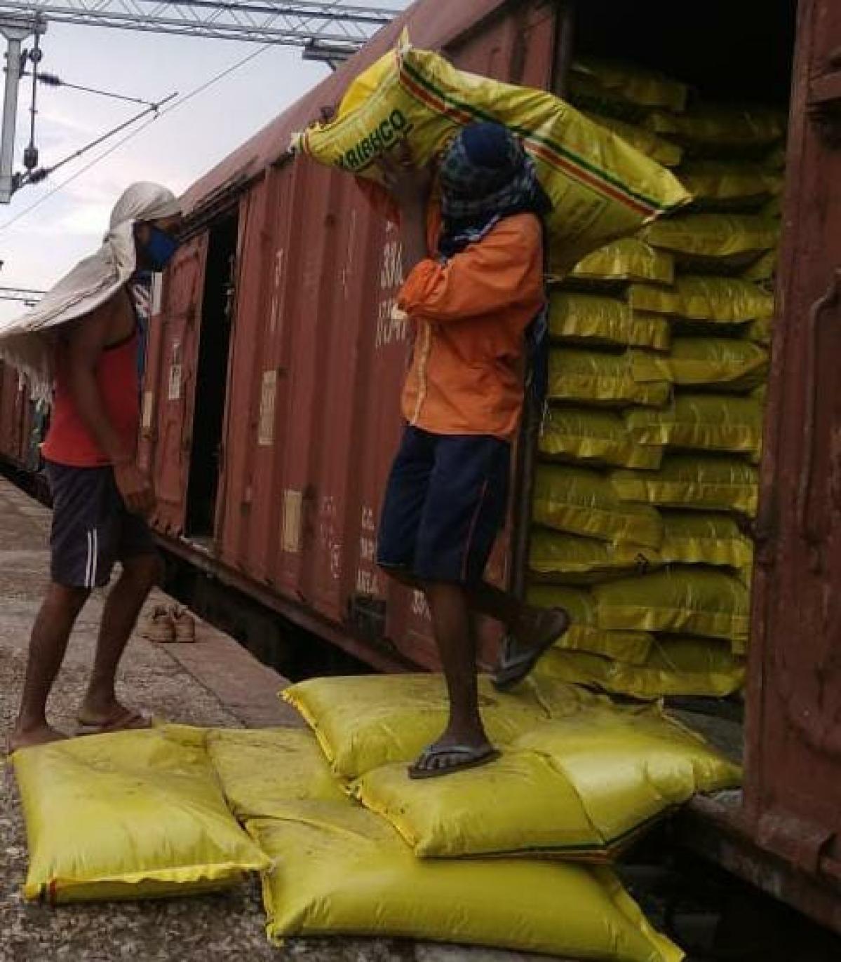 WR transports 15.79 mn tonnes through more than  7500 rakes of  goods trains