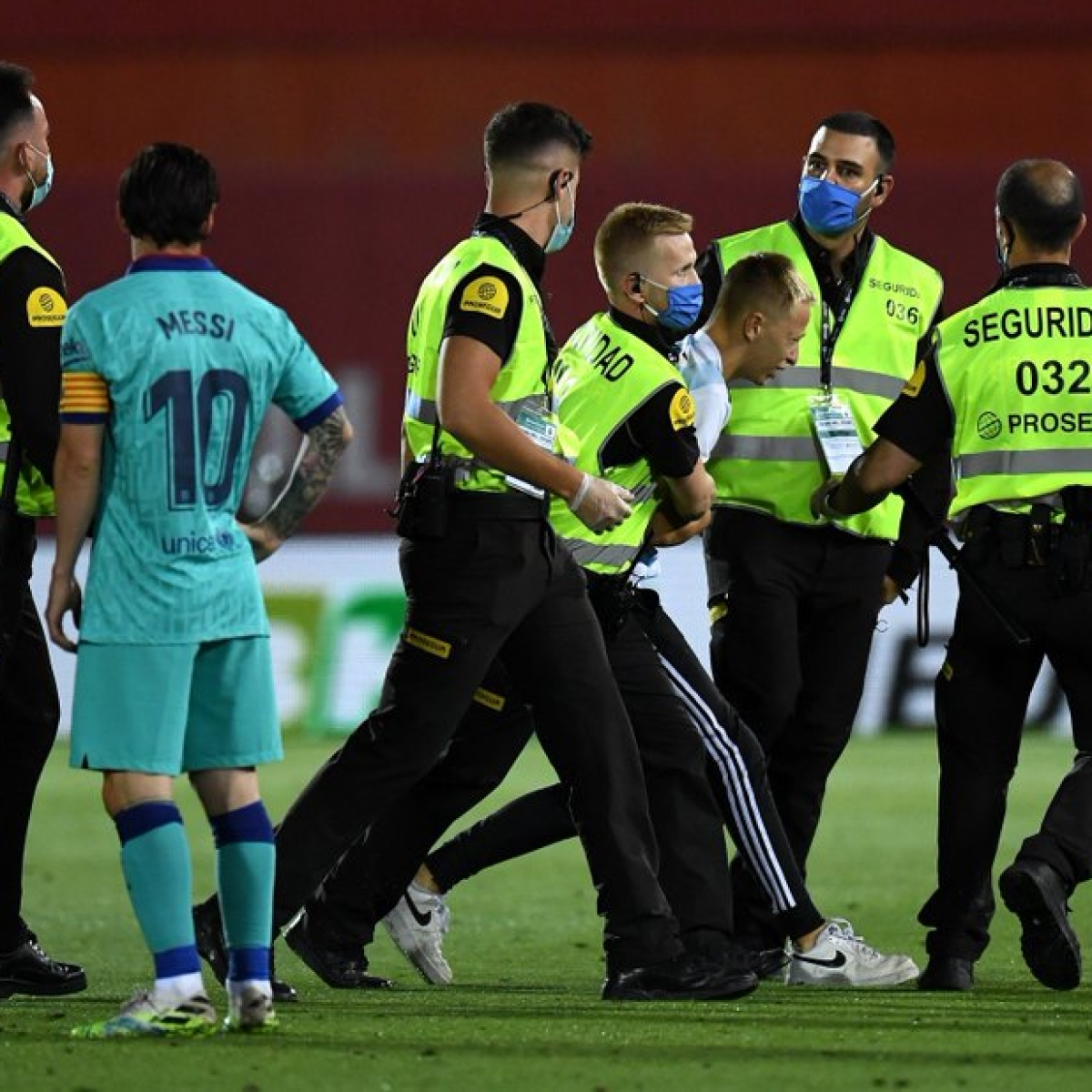 RCD Mallorca vs Barcelona: La Liga to file charges against pitch invader