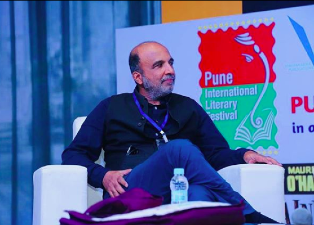 Sanjay Jha uses Tendulkar analogy to explain why Rahul-Priyanka need to drop out of leadership