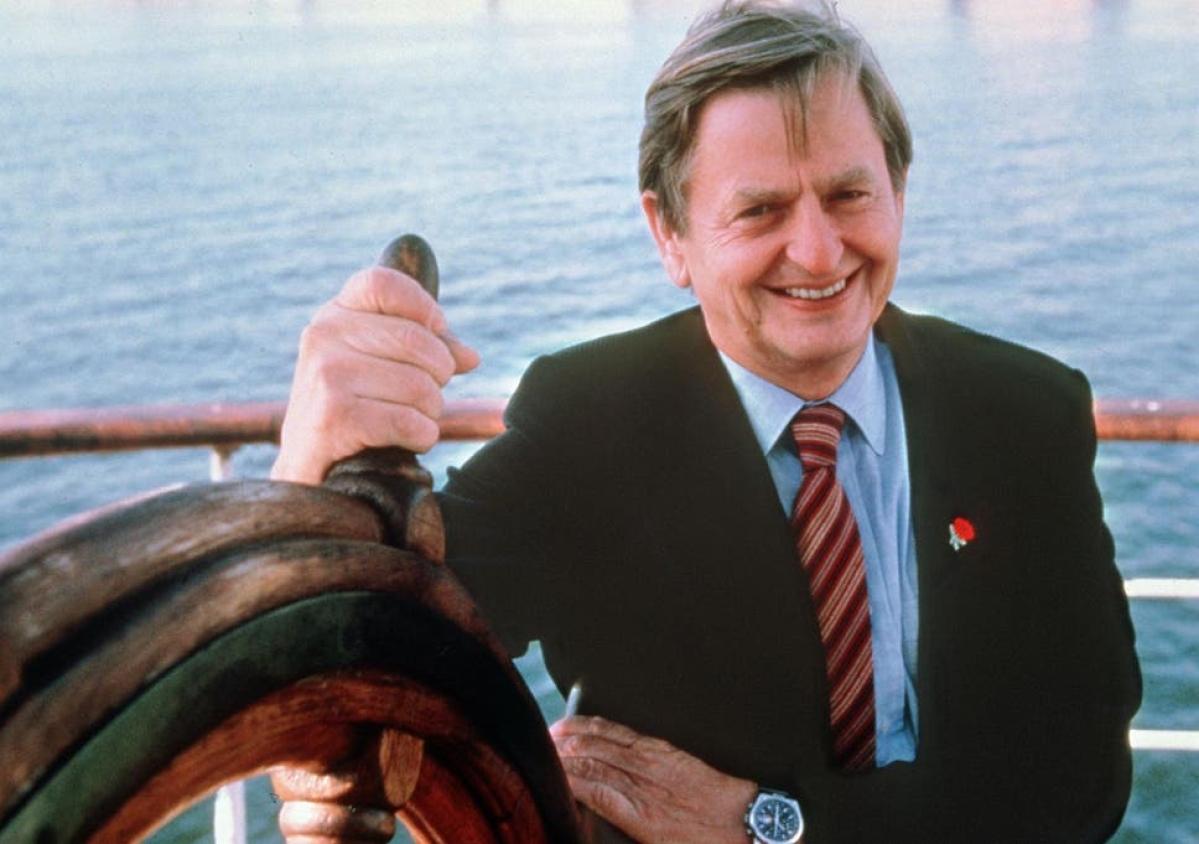 Swedish sleuths name killer of PM Olof Palme, close 34-year case