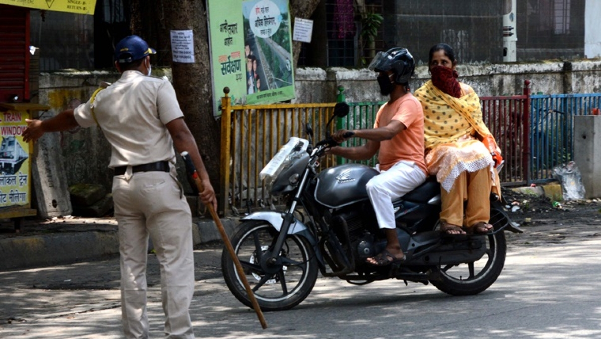 'What is the logic': Twitter flummoxed over Mumbai Police's '2 km rule' for vehicles