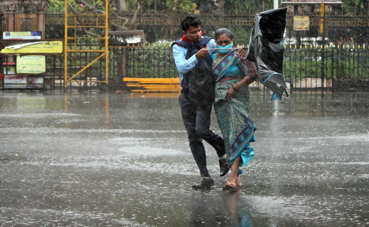 Cyclone Nisarga fails to dampen spirit of Mumbaikars