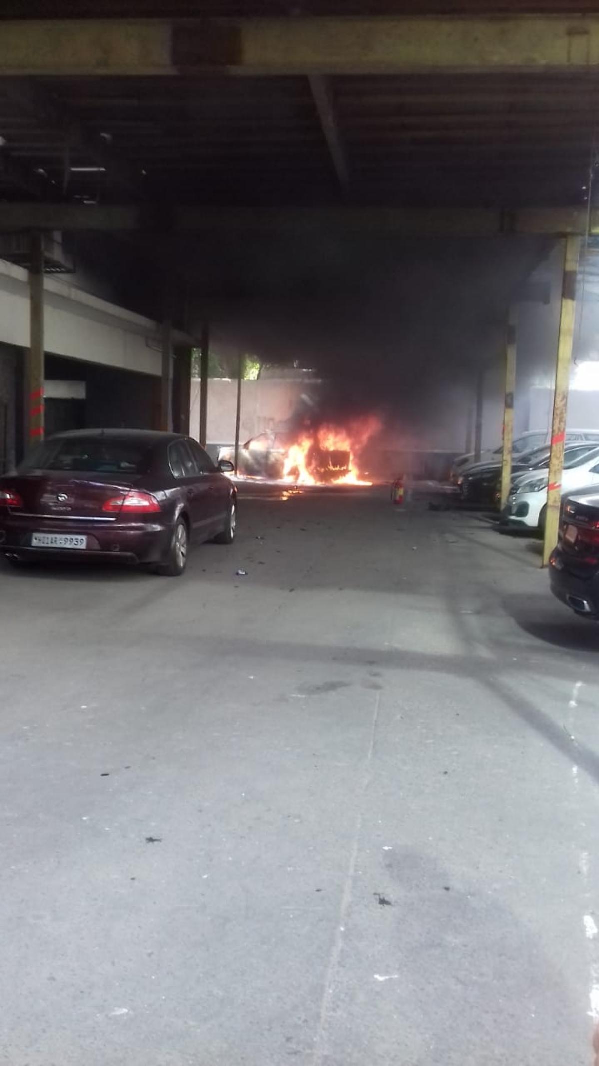 Mumbai: Fire at Usha Kiran building on Carmichael Road
