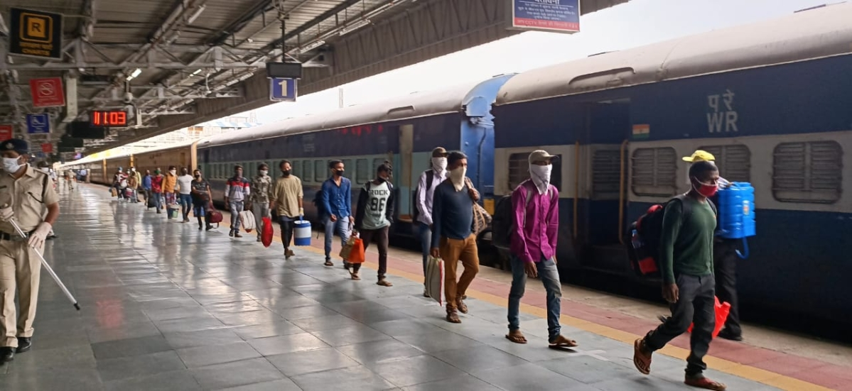 Indore: 'Shramik' special train with over 1,200 migrant labourers leaves for West Bengal