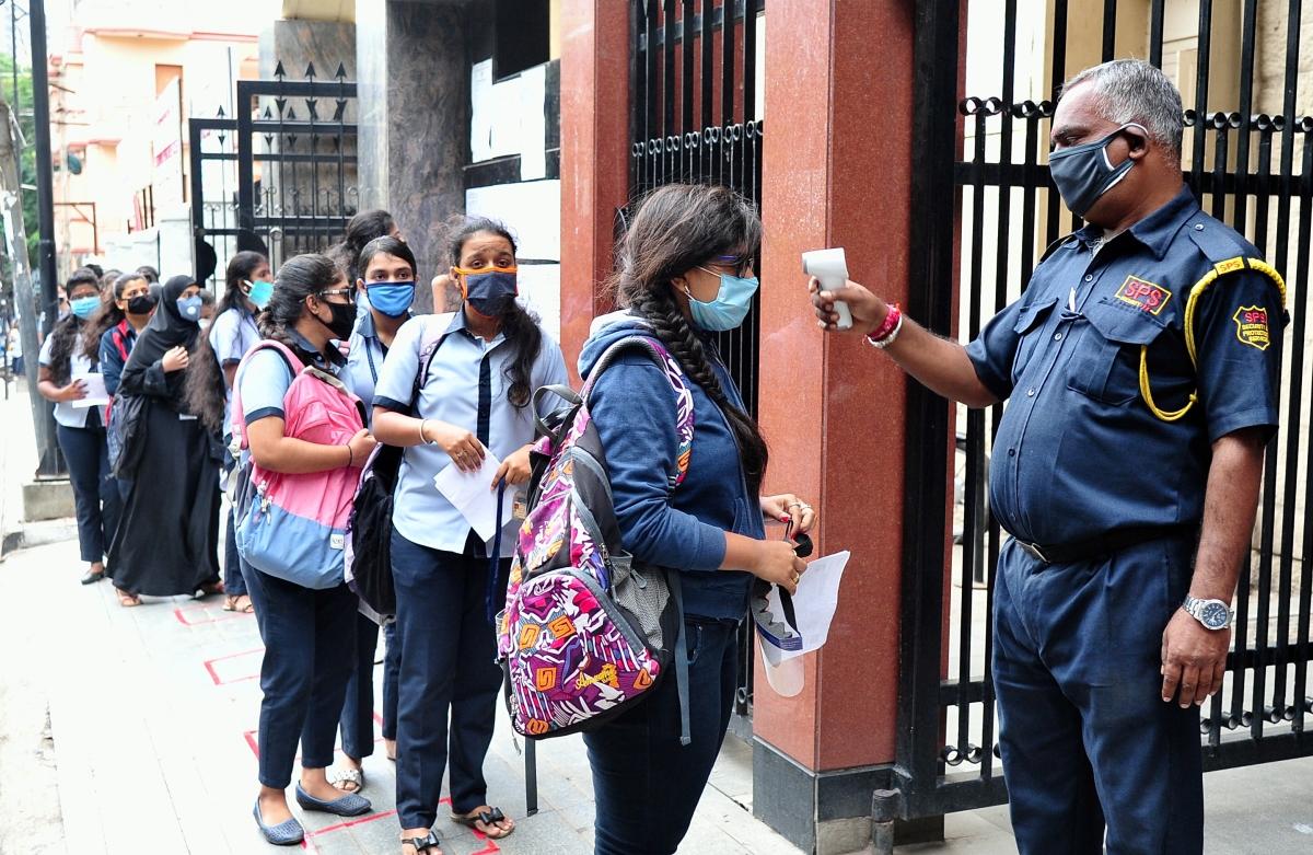 Maharashtra Students Union knocks on Bombay HC door demanding clarity over final-year examination