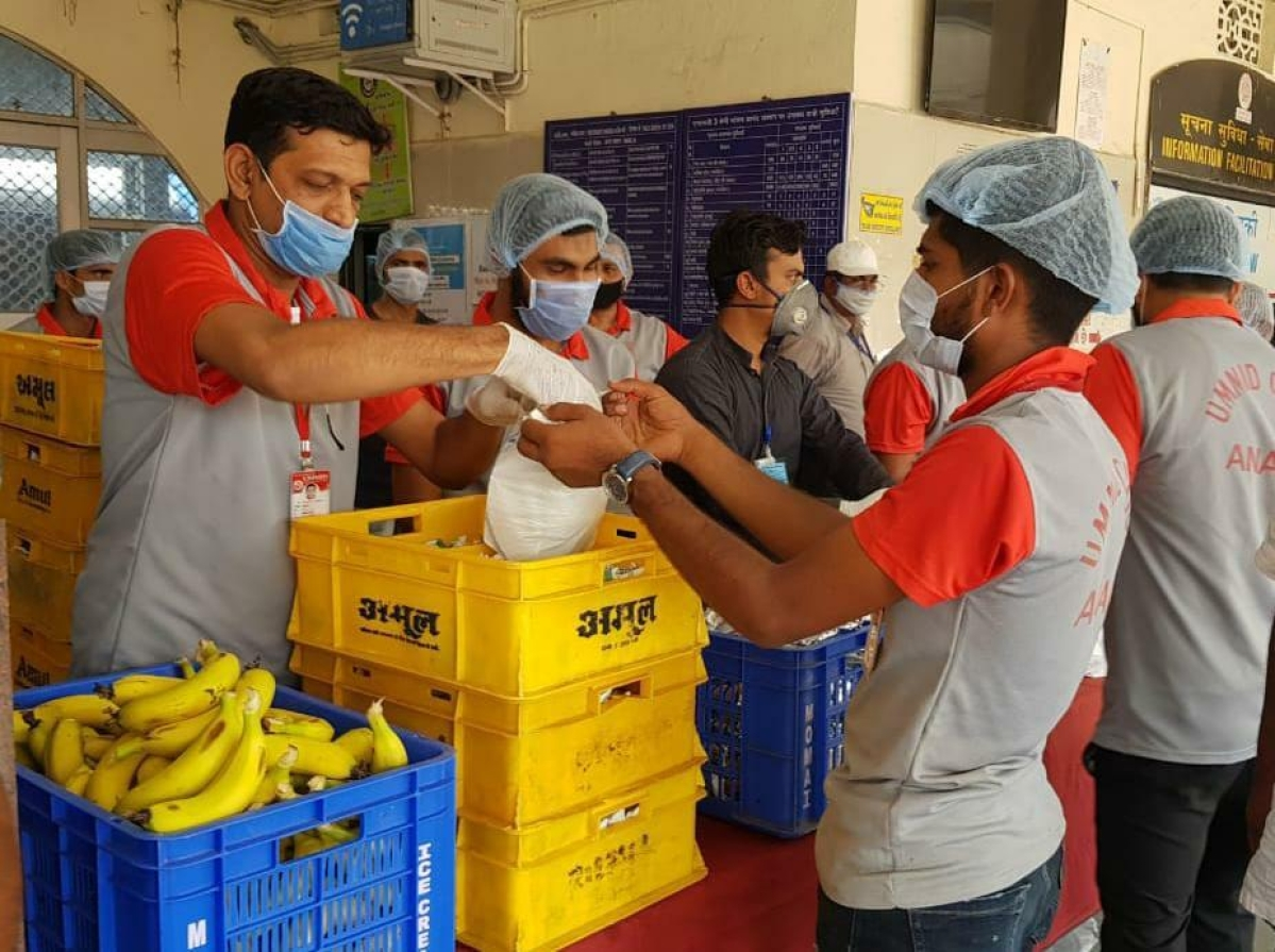 Western Railway's Mission Food Distribution also successful in Shramik Special Trains