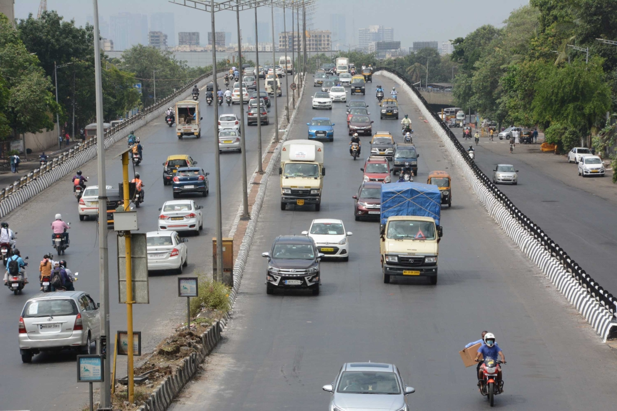 Traffic snarls reported across Mumbai as offices open partially