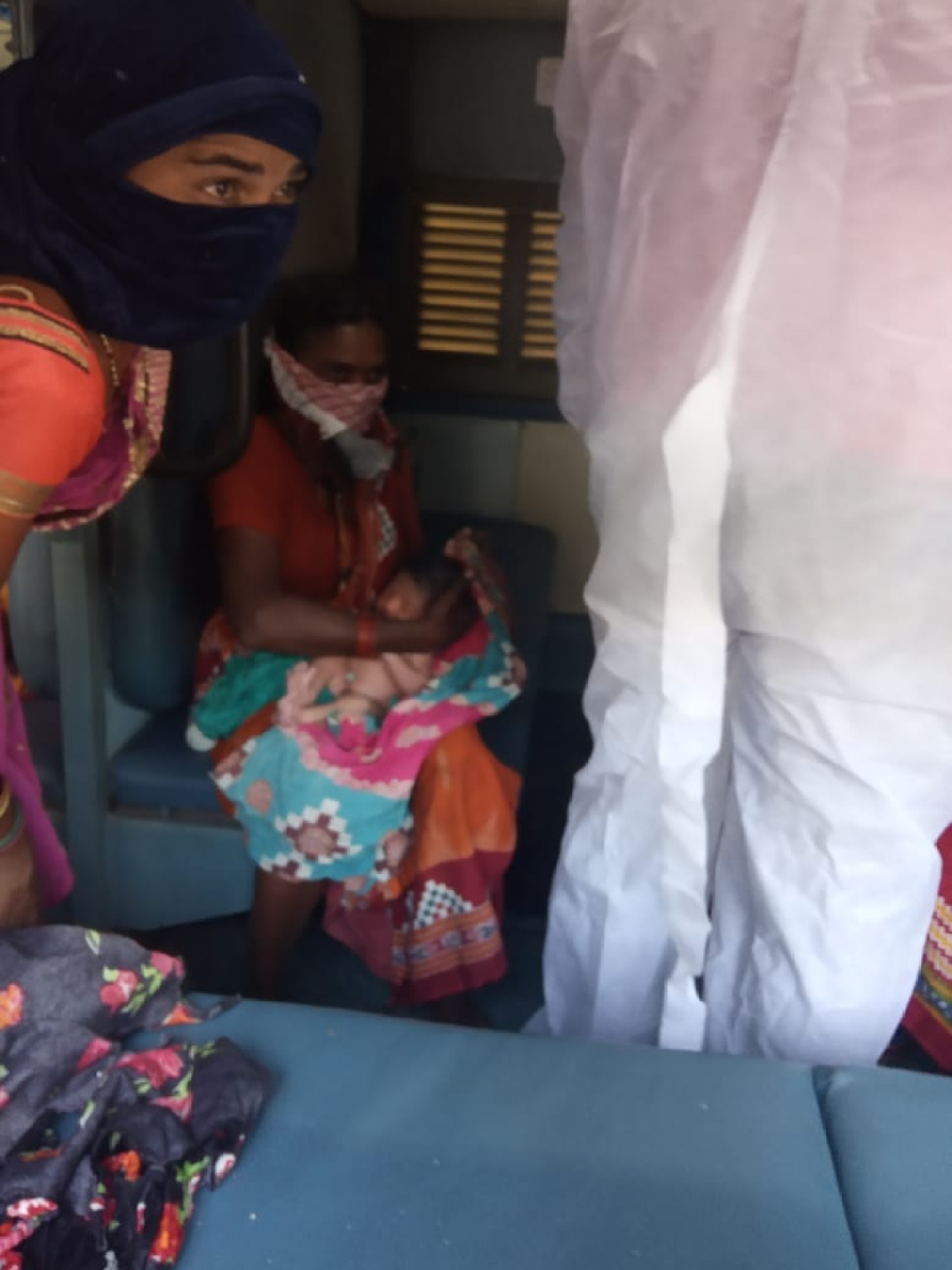 ECoR presents gifts to babies born on Shramik Special Trains