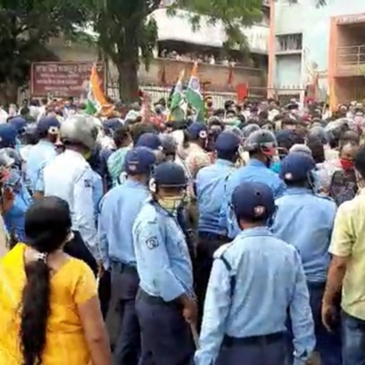 Clashes erupt between two TMC trade union groups in West Bengal's Durgapur