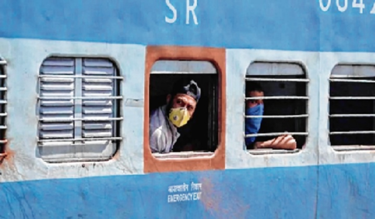Migrant workers returning to Mumbai in hope of new dawn
