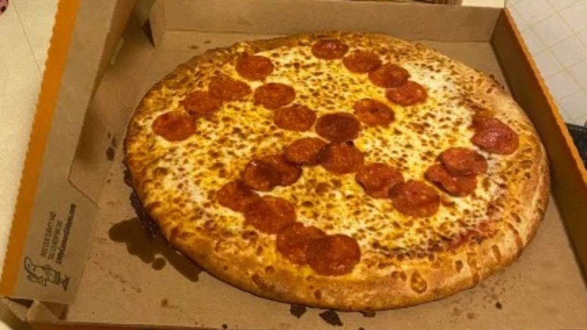 Ohio couple receives pizza with 'Swastika' symbol made of pepperoni; workers fired