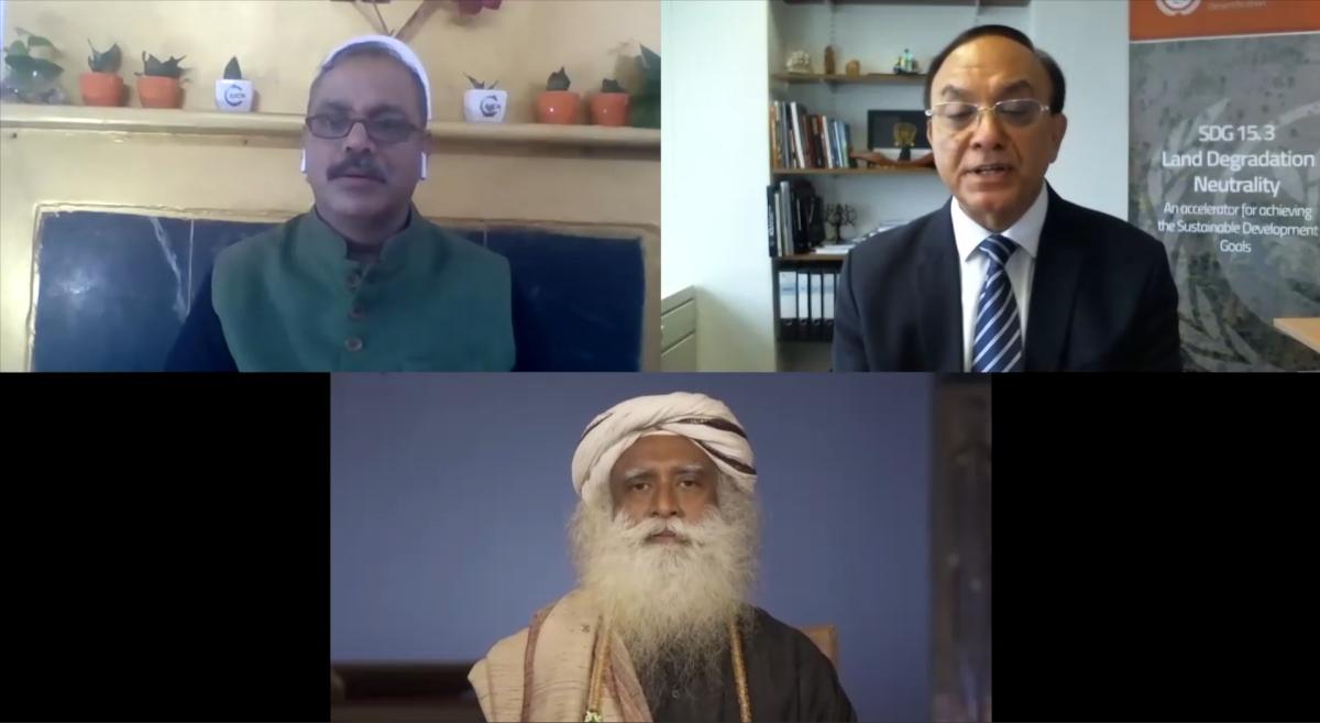 Sadhguru urges the world to unite to combat desertification