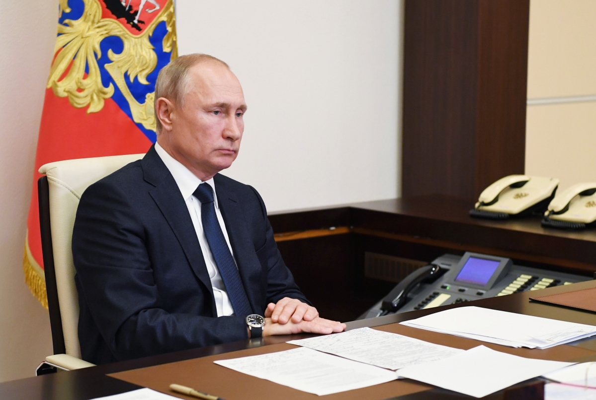 Two weeks after 20,000 tonnes of fuel spilled into a river in Siberia, Vladimir Putin finally declares emergency