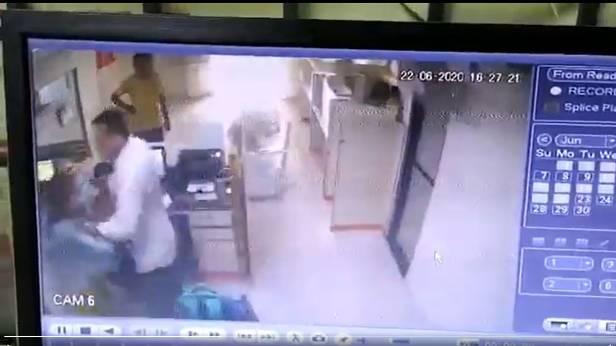 Watch: Female banker attacked by a constable in Surat, Nirmala Sitharaman demands strict action