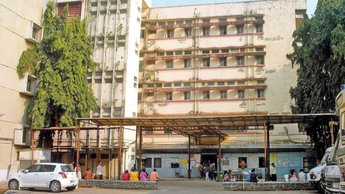 COVID-19 in Mumbai: Contractual staffer arrested for fleecing patients by offering beds at Rs 8,000 at Rajawadi hospital