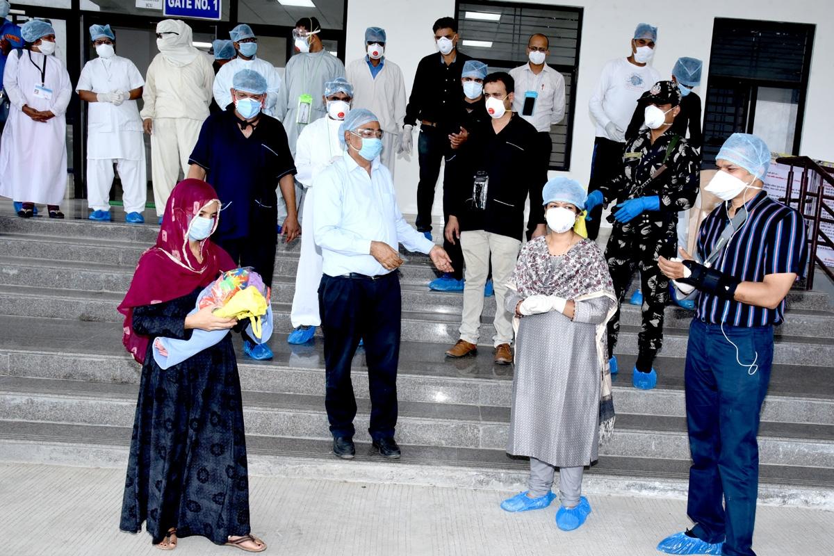 Coronavirus in Madhya Pradesh: 23 years old mother, newborn discharged in Ratlam