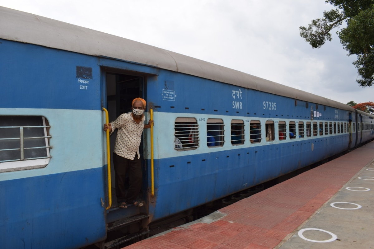 Shramik special leaves for new Jalpaiguri from Hubballi