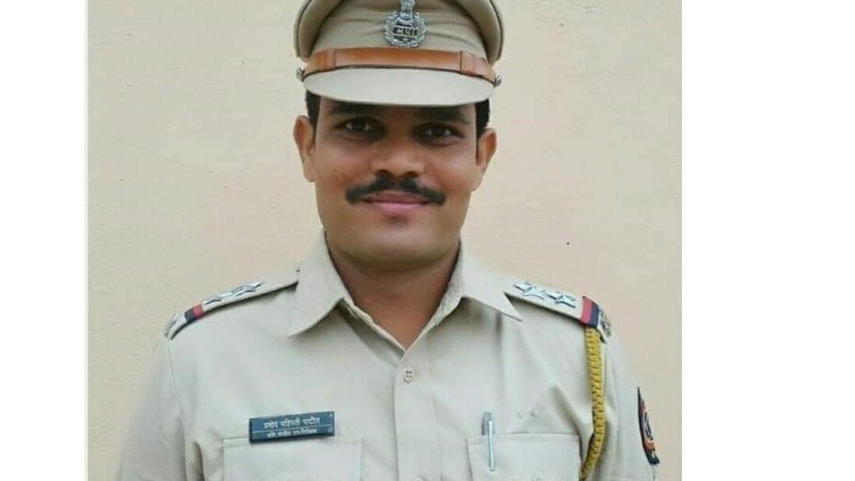 Bhayandar Cop Bags Medal for anti-Naxal operationsin Maharashtra's Gadchiroli