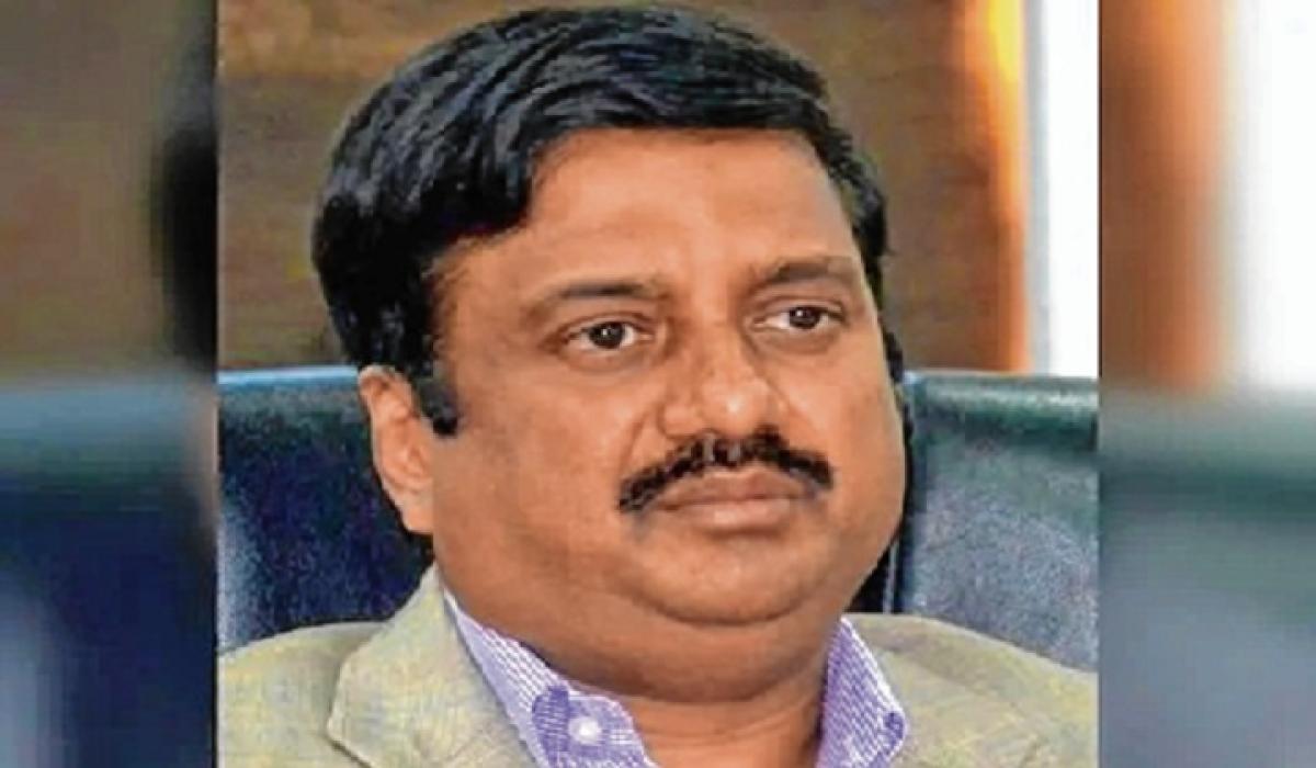 Ponzi scam accused IAS officer ends life in Bengaluru