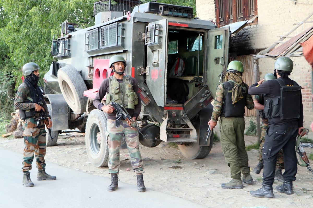 Amid border tensions, Nepal authorities halt work on river embankment in Bihar's East Champaran