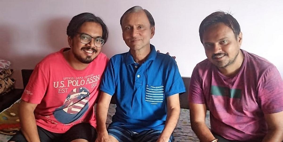 Ashok Manrupchand Jain (centre) with sons Kalpesh (left) and Jayesh