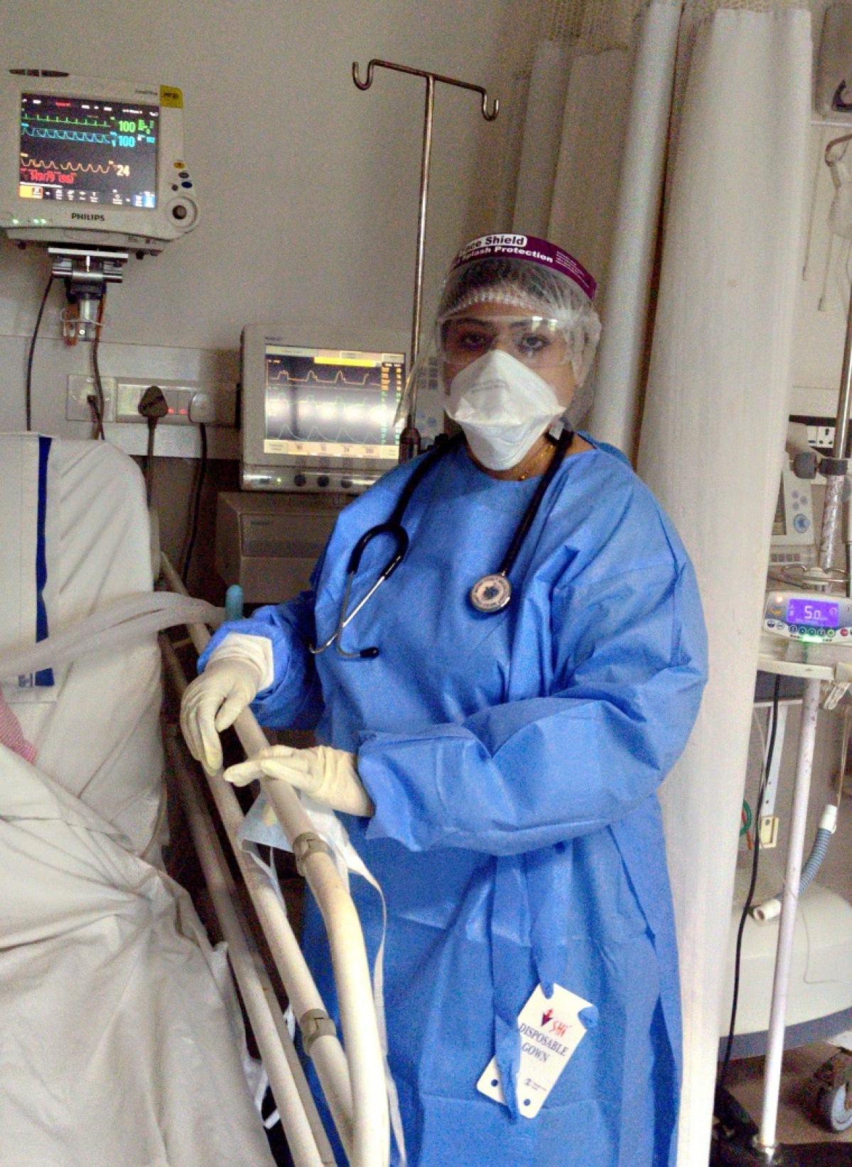 Dr Javedan Motlekar