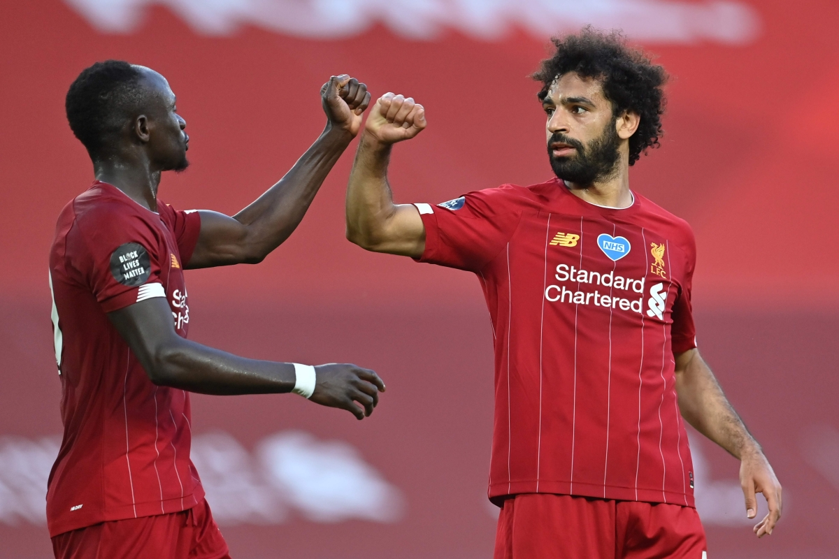 Reds on brink of title; Beat Crystal Palace 4-0