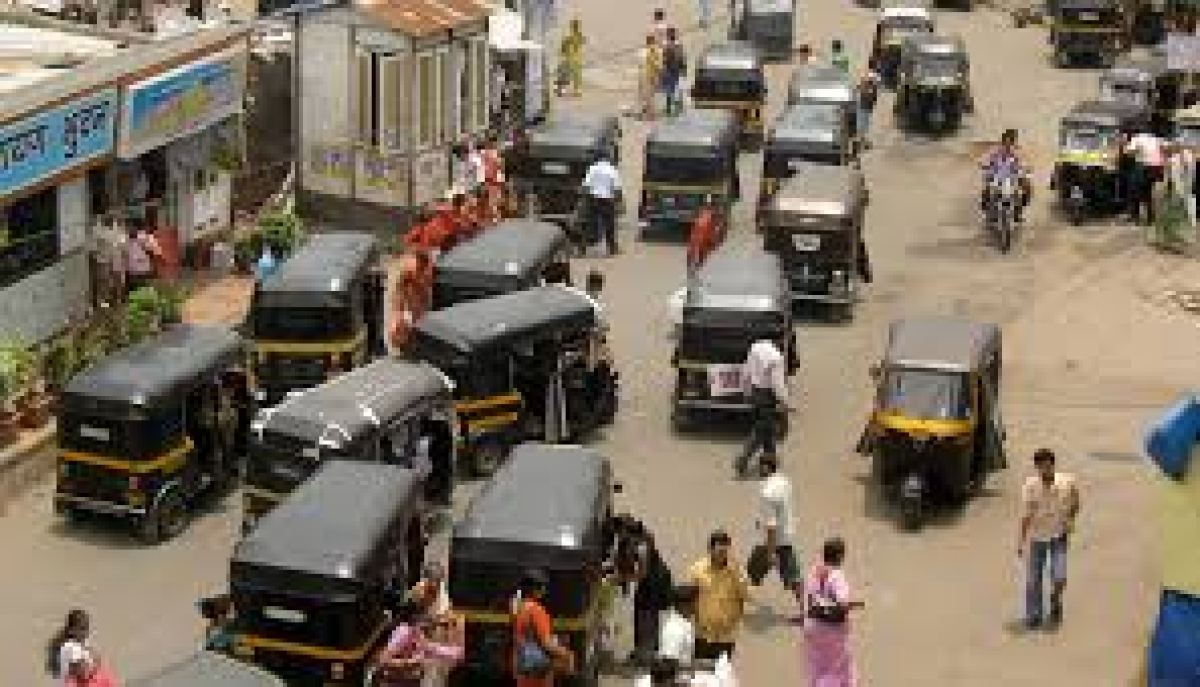 Mumbai Traffic Police initiate action against share autorickshaws for violating social distancing norms