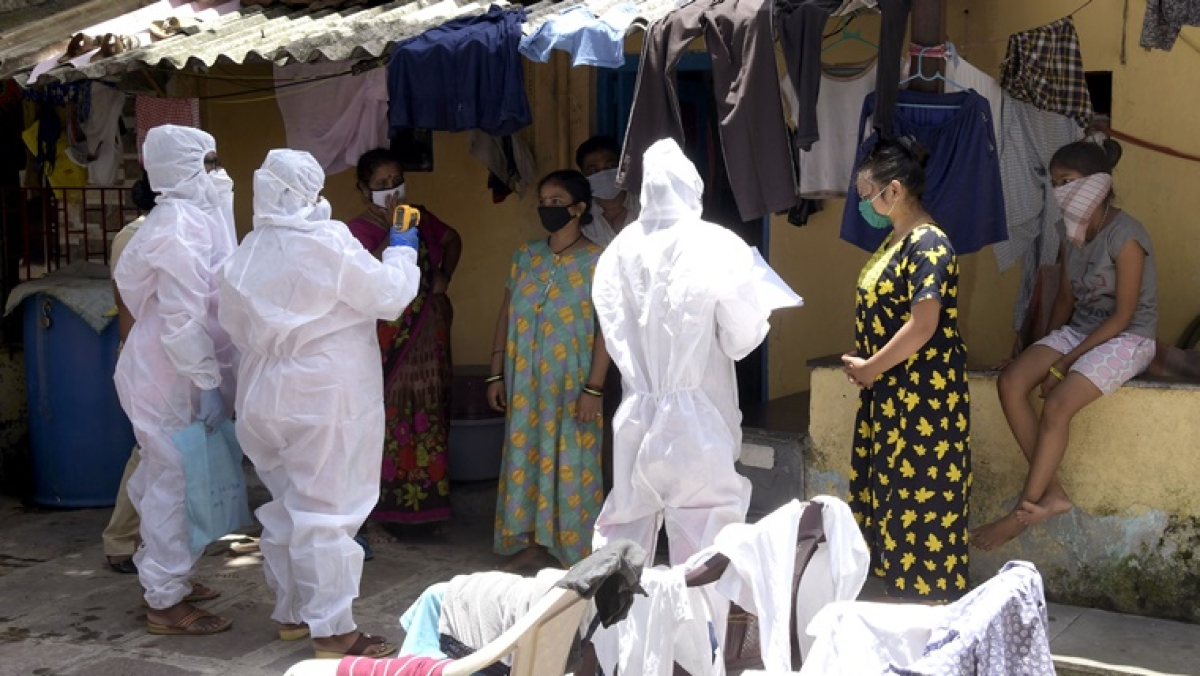 India sees highest single-day spike of 17,296 COVID-19 cases, tally reaches 4,90,401