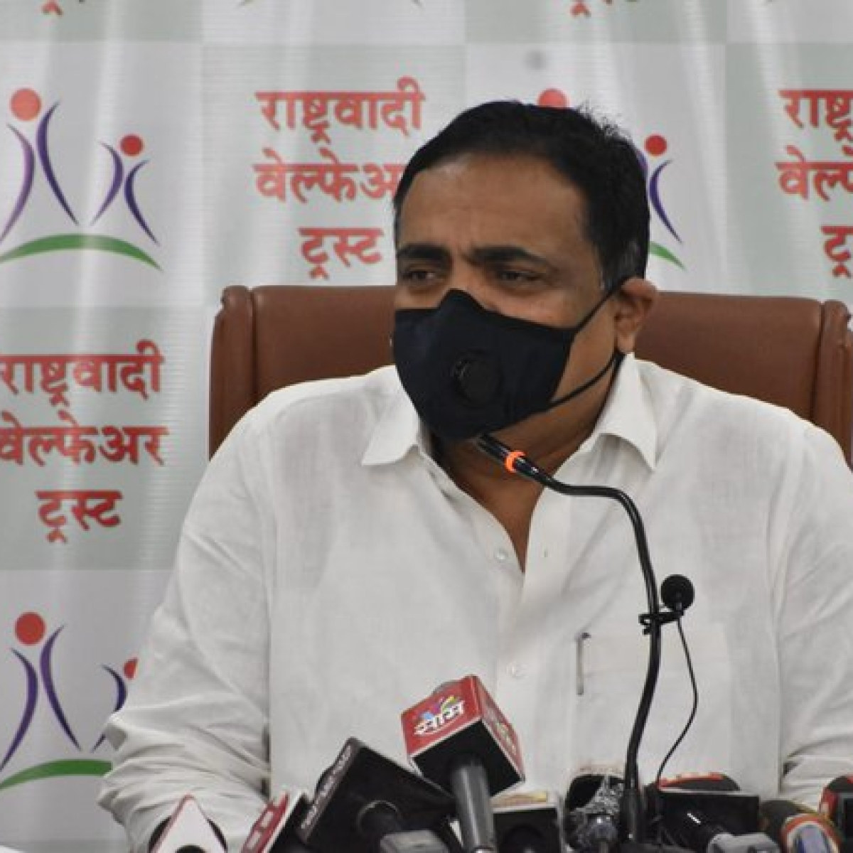 Actor Sharad Ponkshe not related to NCP: Minister Jayant Patil