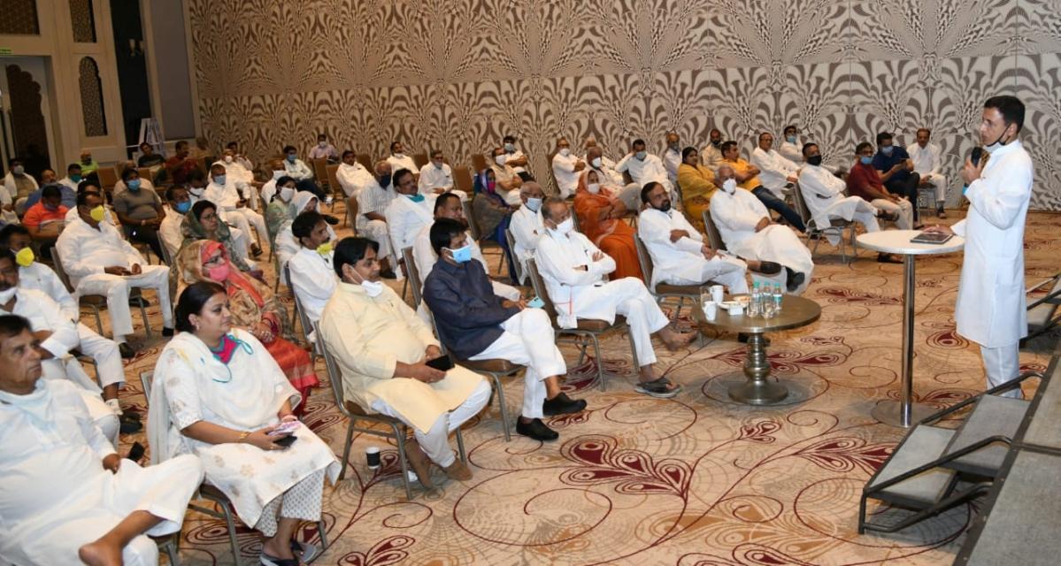 Ahead of Rajya Sabha polls in Rajasthan, a workshop organized for Congress MLAs in a resort; leaders target Modi govt