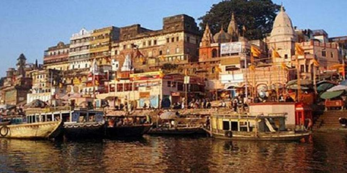 UP: Only five persons can enter temples or mosques