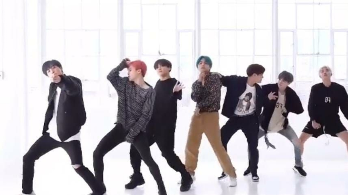 Bollywood meets K-Pop: Have you seen BTS grooving to the tunes of 'Chunari Chunari'?