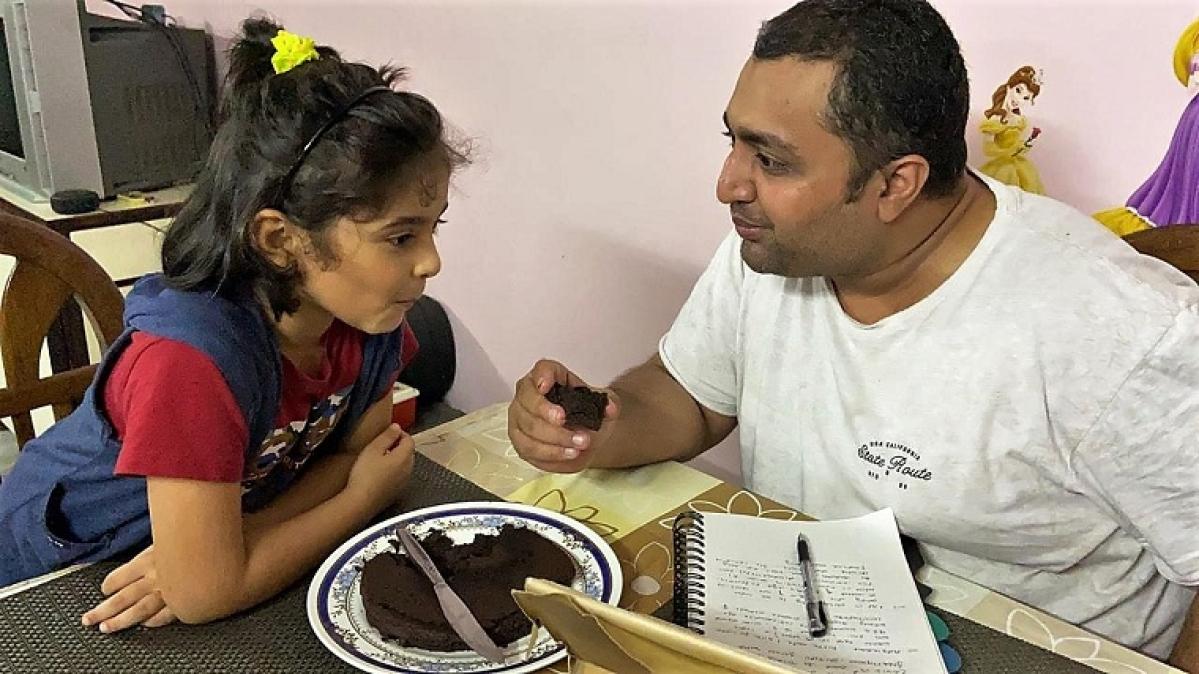 Mihir Rajda with daughter Nihira