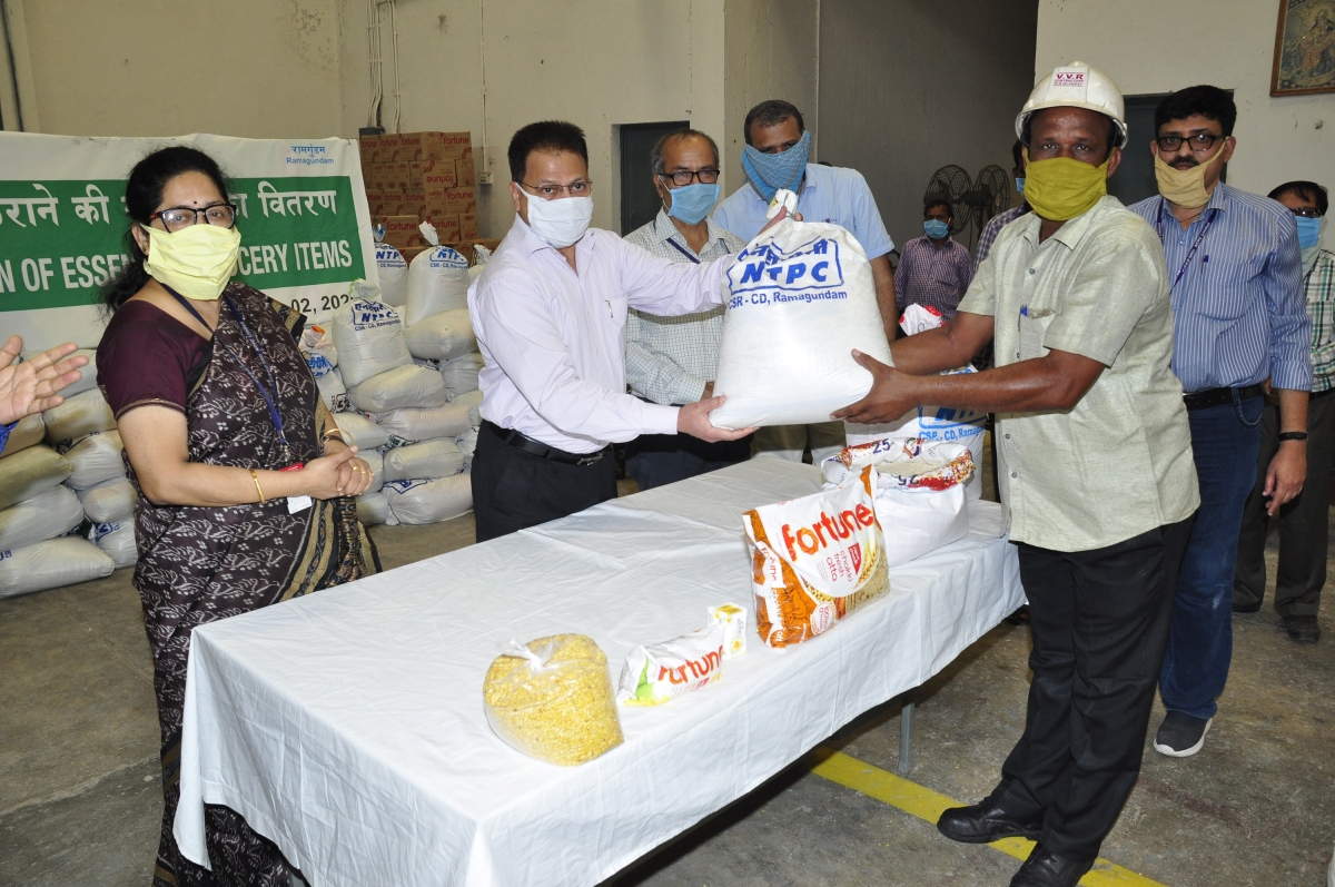 NTPC-Ramagundam distributes essential grocery items among contract/migrant workers