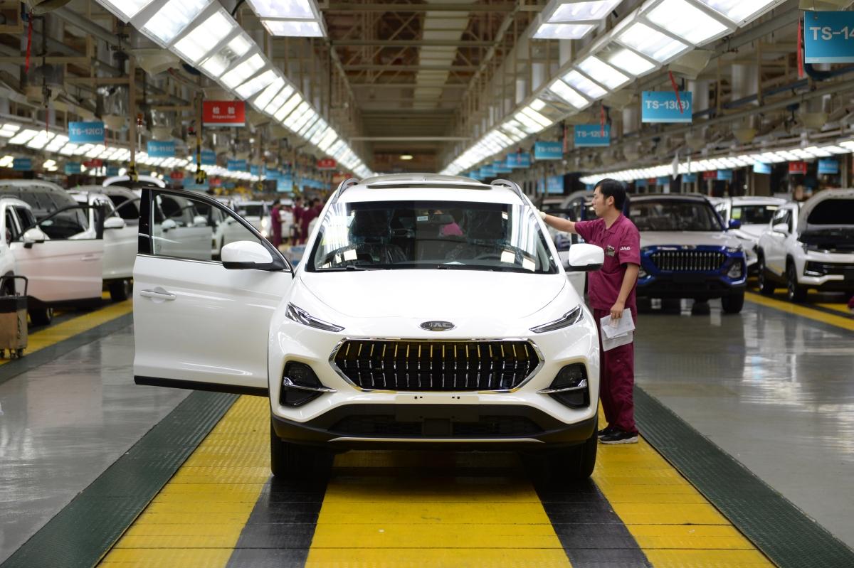 India's Jan passenger vehicle sales rise over 11% YoY