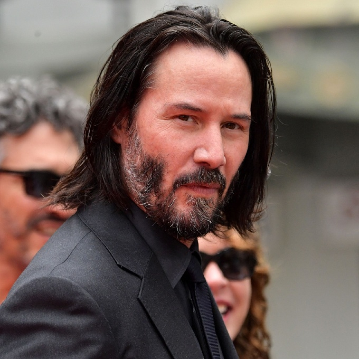 Keanu Reeves offering 15-minute virtual date for children cancer charity