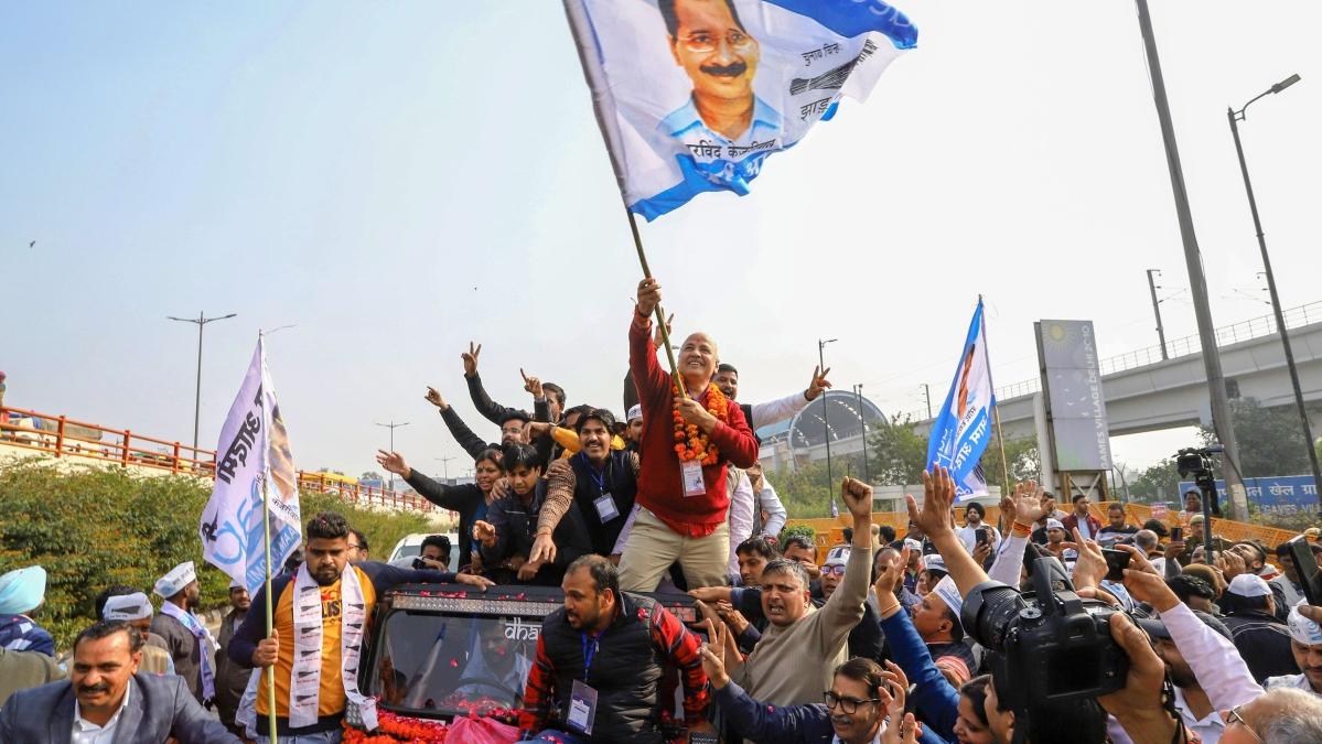 #BuiltbyAAP: Twitter mocks AAP after Atishi says Kejriwal gave 'ultimate tribute to Sardar Patel'
