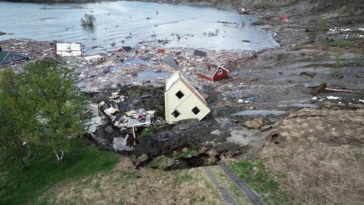 End of times: Watch houses swept away in Norway's Alta
