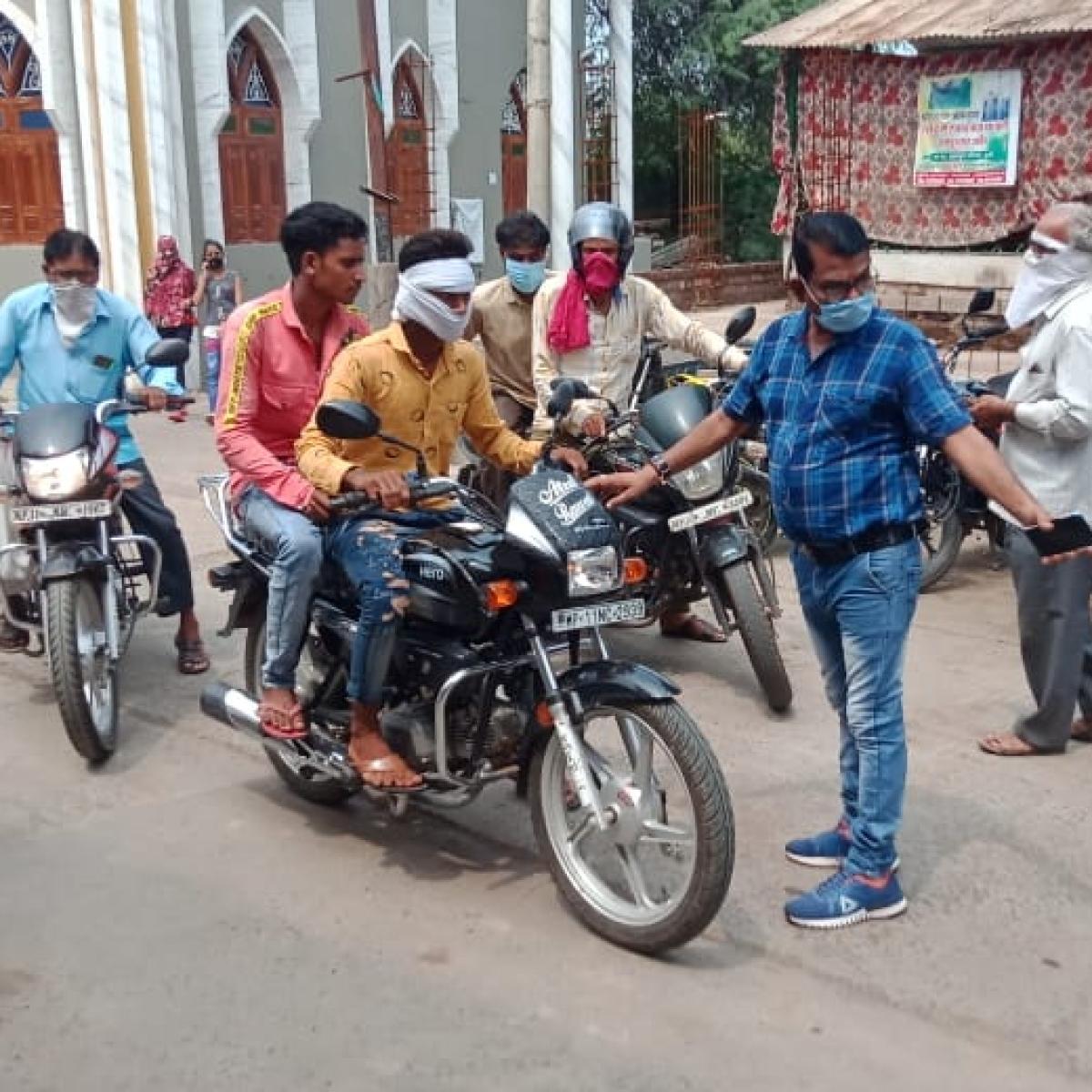 Madhya Pradesh: In Kukshi, seven shops sealed for violating unlock norms