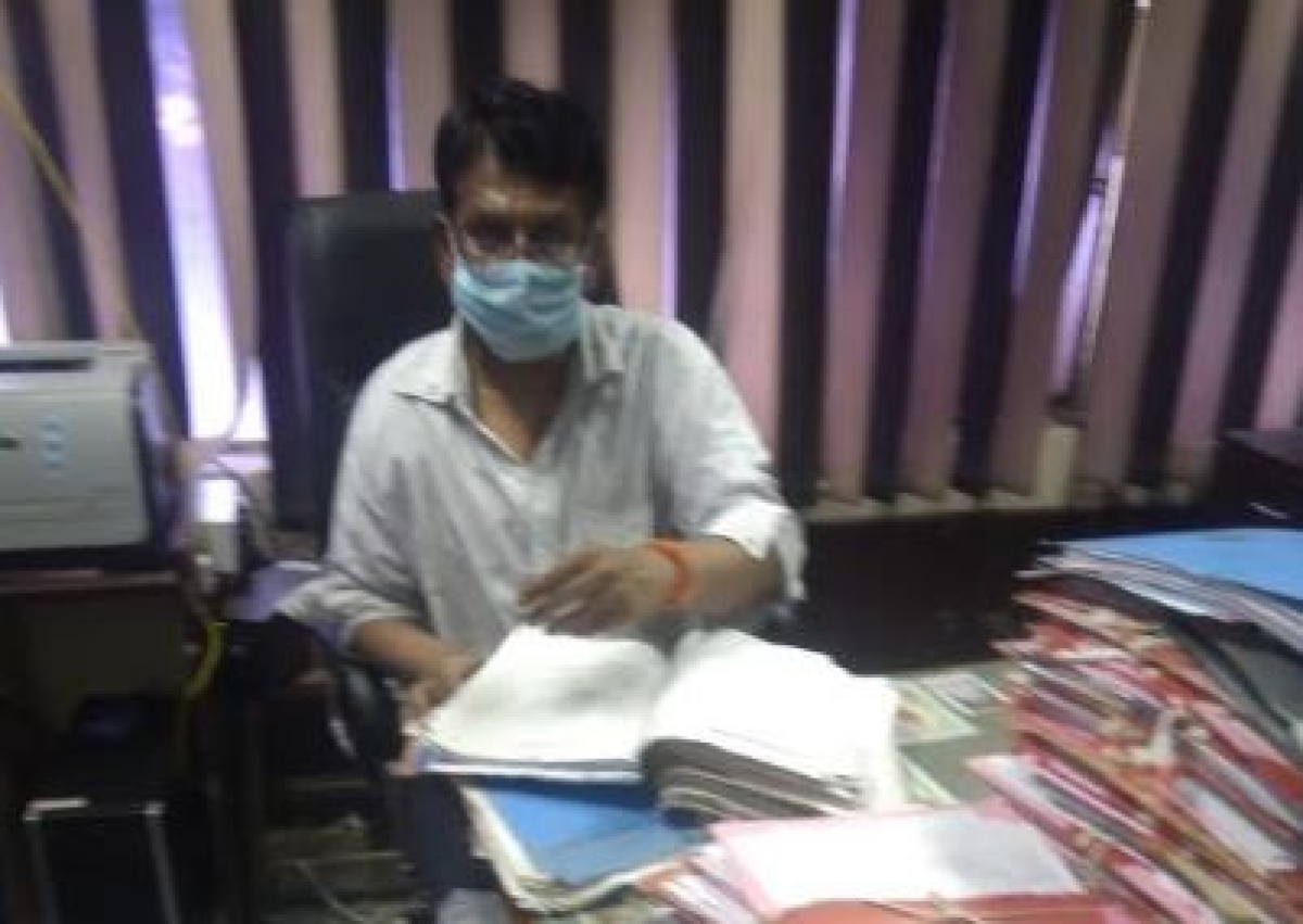Indore: Flutter in IDA as video showsretired engineer tearing papers